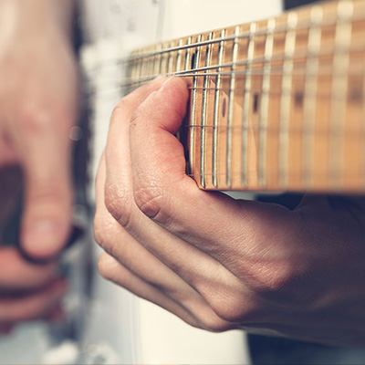 Adult guitar lessons - Montreal Guitar Academy