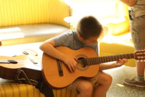 Montreal Guitar Academy - Guitar Lessons in NDG